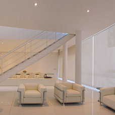 Contemporary Living Room by BXH Arquitectura