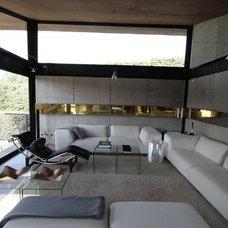 Contemporary Living Room by Serrano Monjaraz Arquitectos