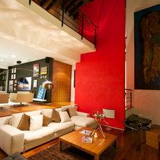 Contemporary Living Room by Euritmia
