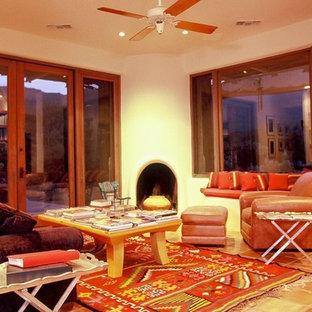 Ispirazione per un soggiorno contemporaneo di medie dimensioni e stile loft con pavimento in terracotta