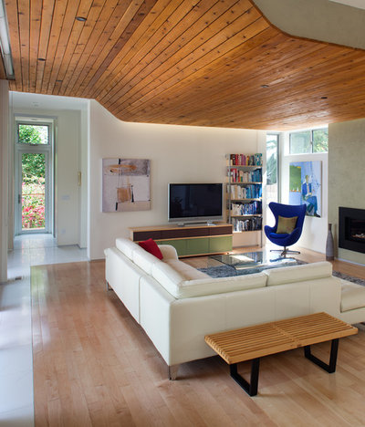 Contemporary Living Room by Architect  Heather Johnston