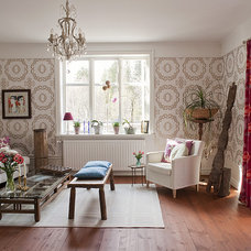 Eclectic Living Room by Fotograf Lisbet Spörndly