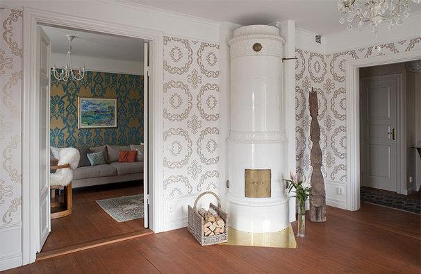 Eclectic Living Room by Fotograf Lisbet Spörndly
