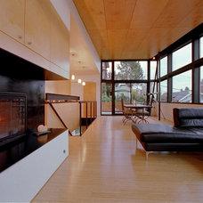 Modern Living Room by Eggleston Farkas Architects