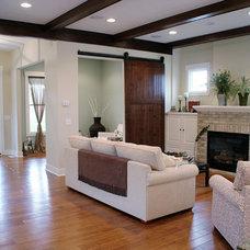 Modern Living Room by Green Apple Design