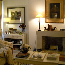 Traditional Living Room by celia maria
