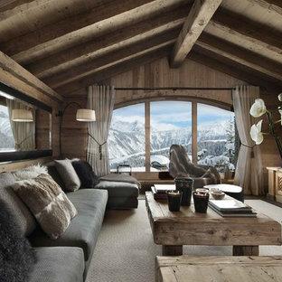 Rustic living room in London.
