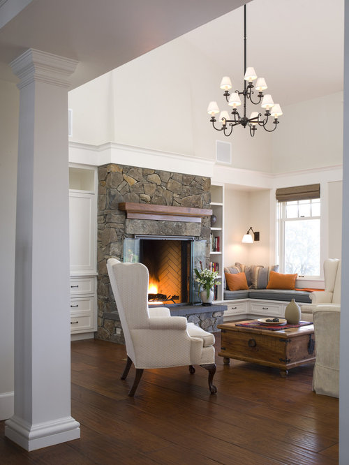 Example Of A Transitional Living Room Design In San Francisco
