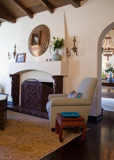 Mediterranean Living Room by Charmean Neithart Interiors