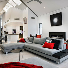 Contemporary Living Room by Cambuild