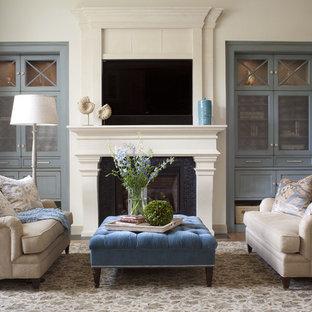 Repräsentatives Klassisches Wohnzimmer mit Kamin in Denver