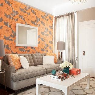 Diseño de salón clásico renovado, pequeño, con paredes multicolor
