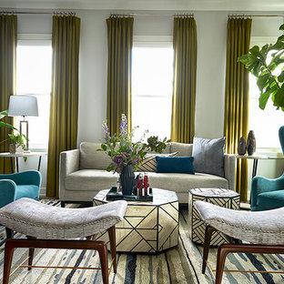 Esempio di un soggiorno chic di medie dimensioni e aperto con pareti grigie e parquet scuro
