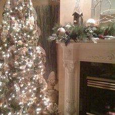 Traditional Living Room Christmas Decor