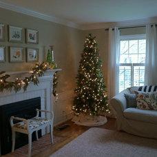Traditional Living Room Christmas