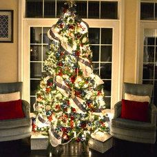 contemporary living room Christmas Tree