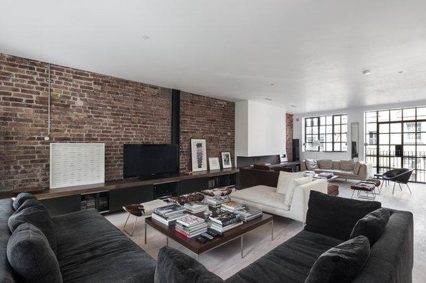 Industrial Living Room by Domus Nova