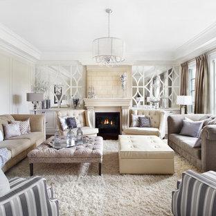 Modelo de salón para visitas cerrado, clásico renovado, de tamaño medio, sin televisor, con paredes blancas, chimenea tradicional, moqueta, marco de chimenea de baldosas y/o azulejos y suelo blanco