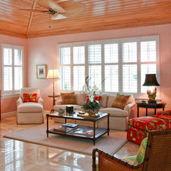 tropical living room by JMA INTERIOR DECORATION