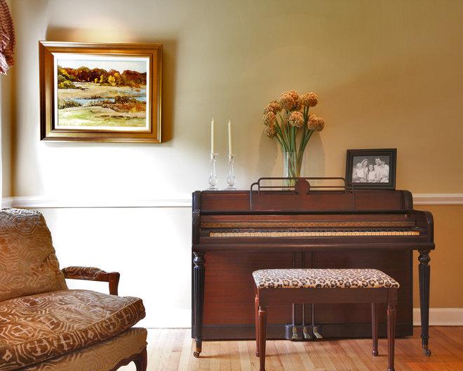 Traditional Living Room by Olga Adler
