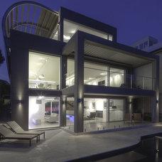Modern Living Room by Rudolfsson Alliker Associates Architects