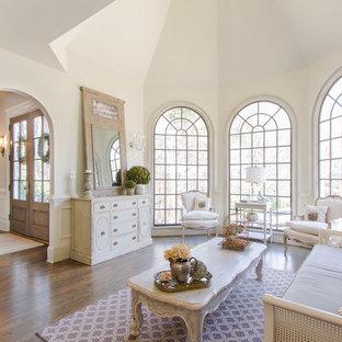 Idee per un soggiorno tradizionale aperto con parquet scuro, sala formale e nessuna TV
