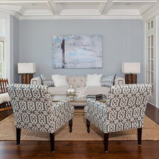 Beach Style Living Room by Birgit Anich Staging & Interiors