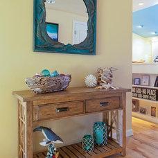 Tropical Living Room by Izumi Tanaka Photography