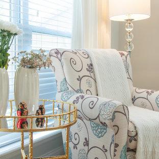 Foto de salón abierto, clásico, grande, con paredes azules, suelo de madera en tonos medios, chimenea tradicional, marco de chimenea de madera, televisor independiente y suelo naranja