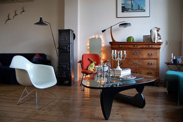 Midcentury Living Room by Kaylovesvintage