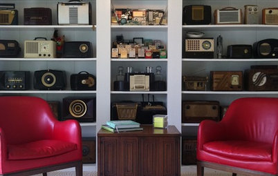Tune In to Vintage Radios as Home Decor