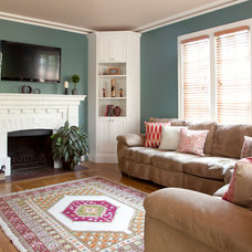 Eclectic Living Room by Rachel Perls, Hue Consulting