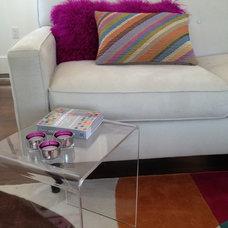 Modern Living Room by studio m  |  design