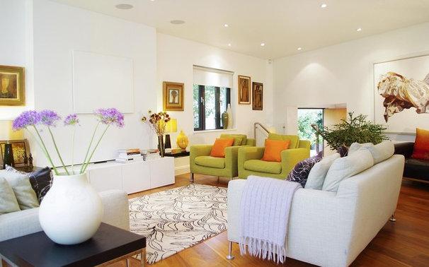 Modern Living Room by LLI Design