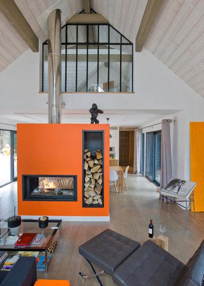 Modern Wohnbereich by blackStones