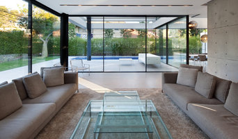 Contemporary Apexfine House