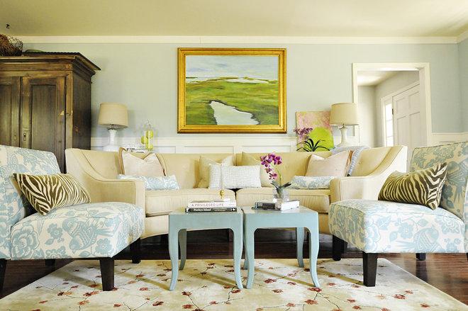 Traditional Living Room by Julia Ryan