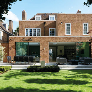 Contemporary Extension to Traditional House