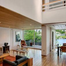 Modern Living Room by Renzo J Nakata Architects