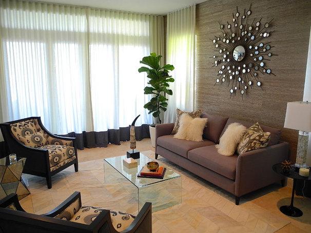 Contemporary Living Room by B.Design