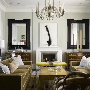 Fernseherloses Modernes Wohnzimmer mit grauer Wandfarbe und Kamin in Philadelphia
