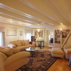 Contemporary Living Room by Leslie Saul & Associates