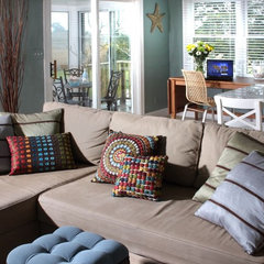 contemporary living room by Sharon McCormick
