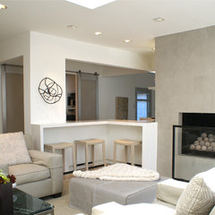 contemporary living room by Sara Cukerbaum