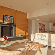 Contemporary Living Room by GILMAN GUIDELLI