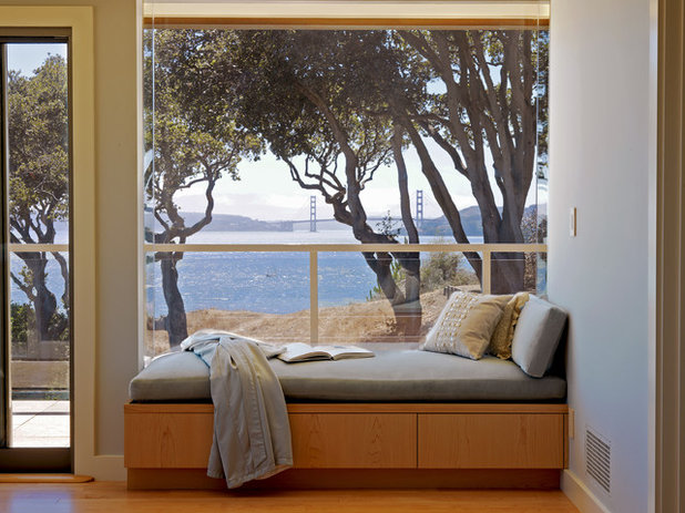 Contemporain Salon by Mahoney Architects & Interiors