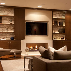 contemporary living room by Toro-Lombardo Design Build