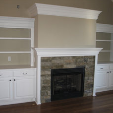 Traditional Living Room by LONG MEADOWS INC