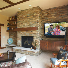 Rustic Living Room by HALQUIST STONE