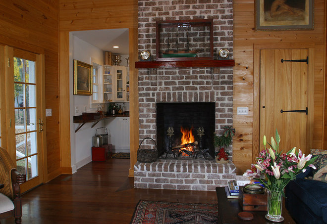 Traditional Living Room by Gerald D. Cowart, AIA, LEED  AP